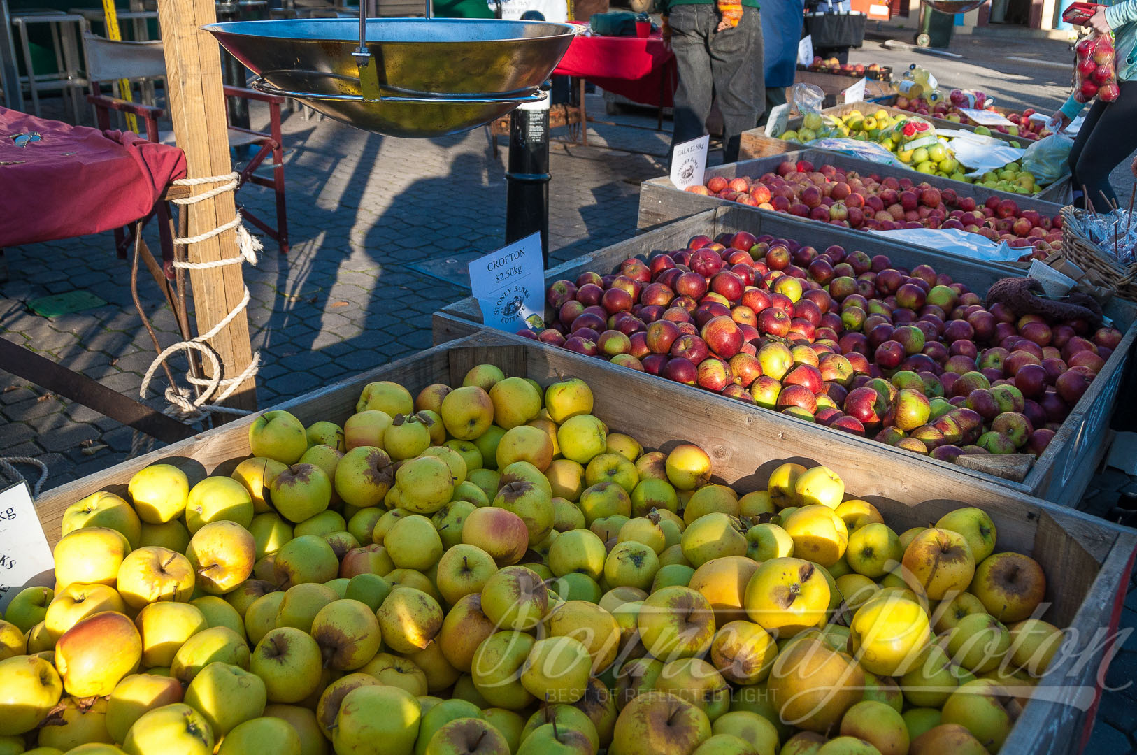 Chilled apples at the Salamanca Market
